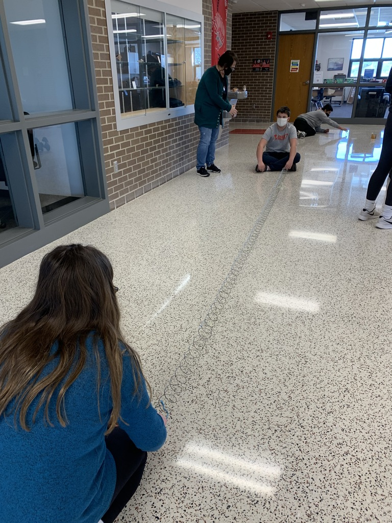 "Seventh graders get a chance to see how waves work in Amanda Rodgers seventh grade science class.  Inquisitive students ask ""Is it possible… "" #NHtribe"