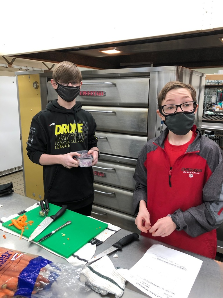 Do you know what it means to be a Lacto-Ovo-Vegetarian? How about a semi-vegetarian? Well, Mrs. Schmitt's Foods II students can tell you all about the different types of vegetarians and the health benefits to being a vegetarian. The students made a vegetarian main dish for their lab.