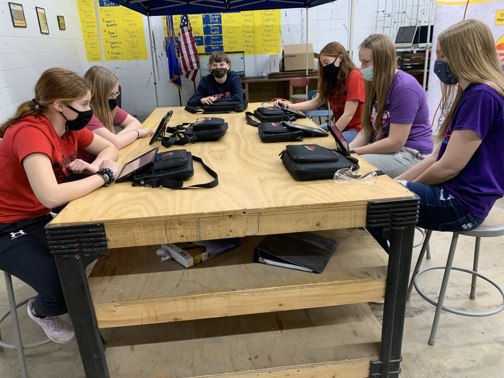 Under the direction of ag teachers Steve Pfaffle and Jim Russ, 8th graders prep for presentation on the Importance of Farmers in Northeast Iowa. 10-12 minute presentation including 2 farmer interviews will all be part of their District Ag Impact contest work.
