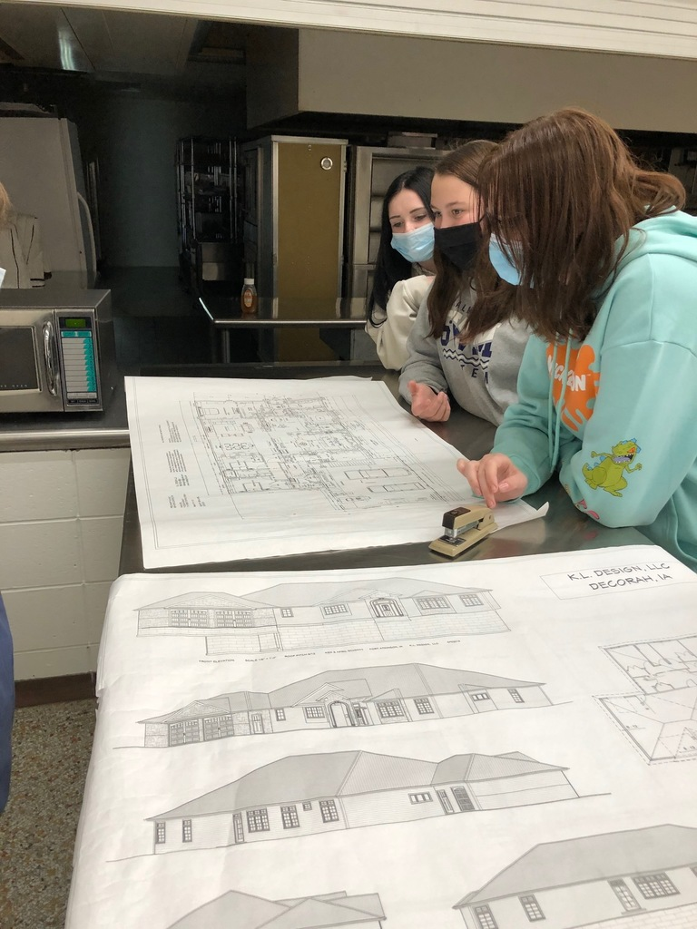 Housing & Interior Design Class is learning about floor plans. This is a brand new class for New Hampton High School taught by our FCS teacher, Mrs. Schmitt.