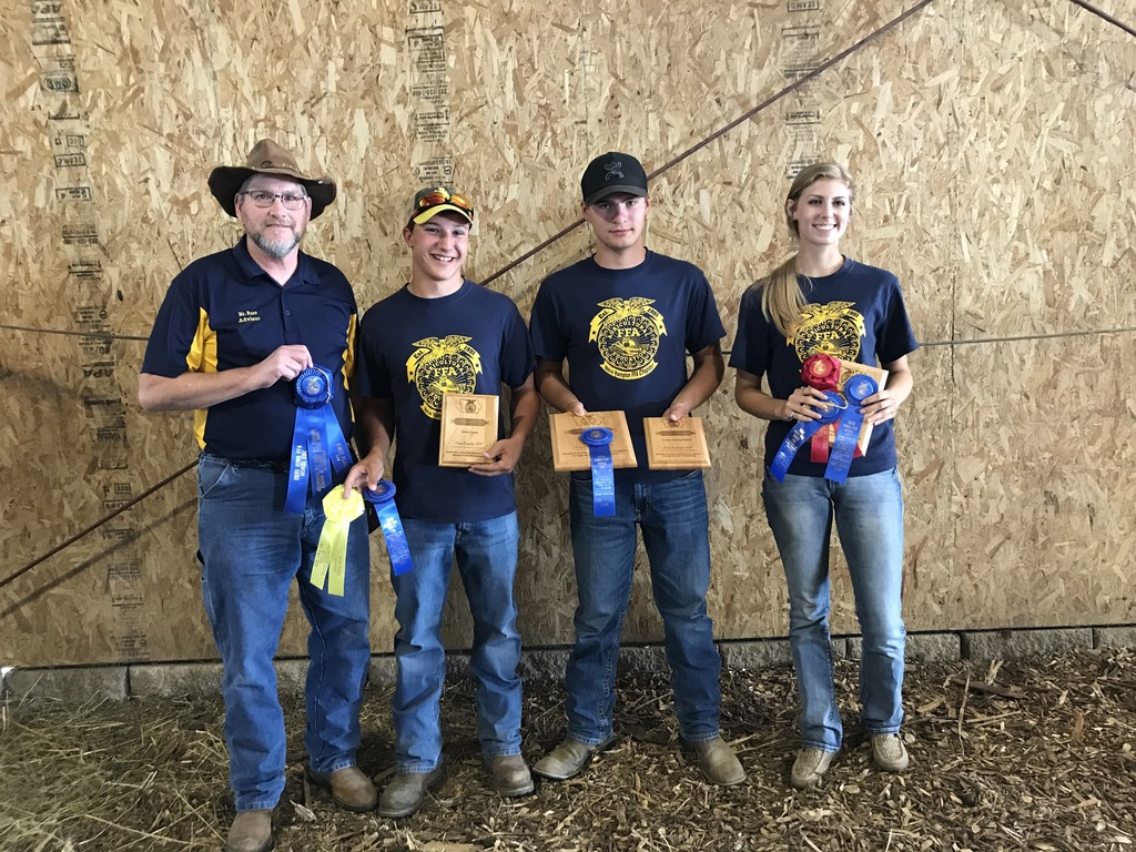 2020 Iowa State FFA High School and Middle Horse Evaluation Teams